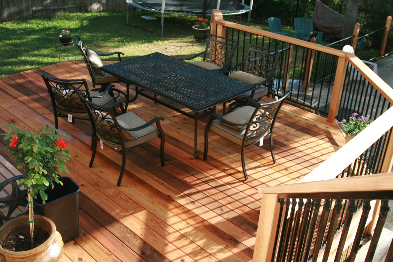 cedar-deck-with-metal-rails-2_5728614341_o